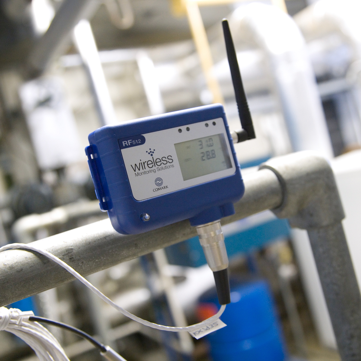 RF512 Wireless Temperature Transmitter from Comark Instruments