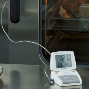 Oven thermometer to check cooking temperature